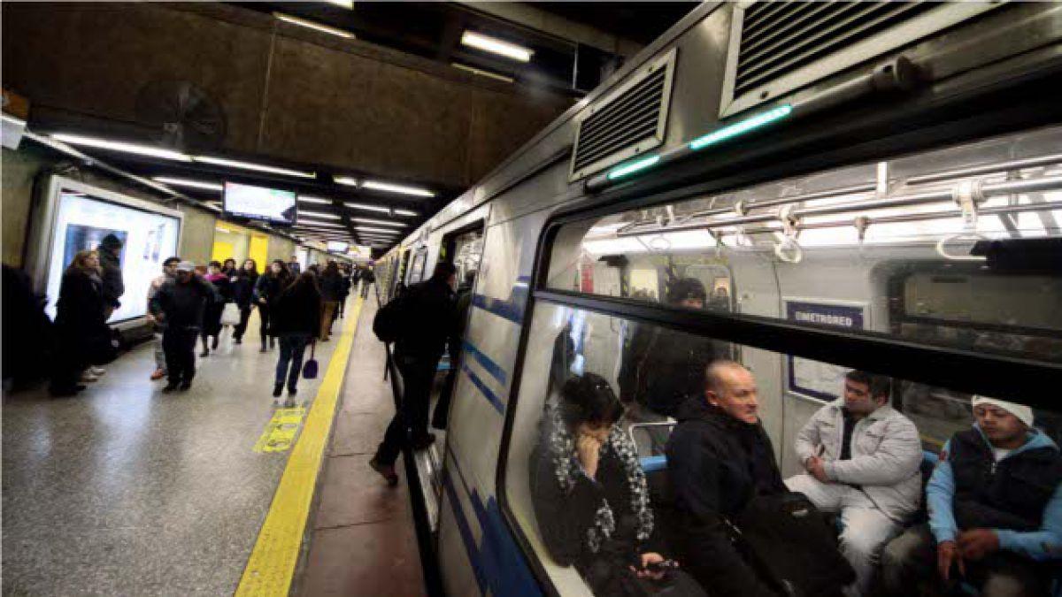 Formalizan a joven que realizó salto acrobático en el Metro