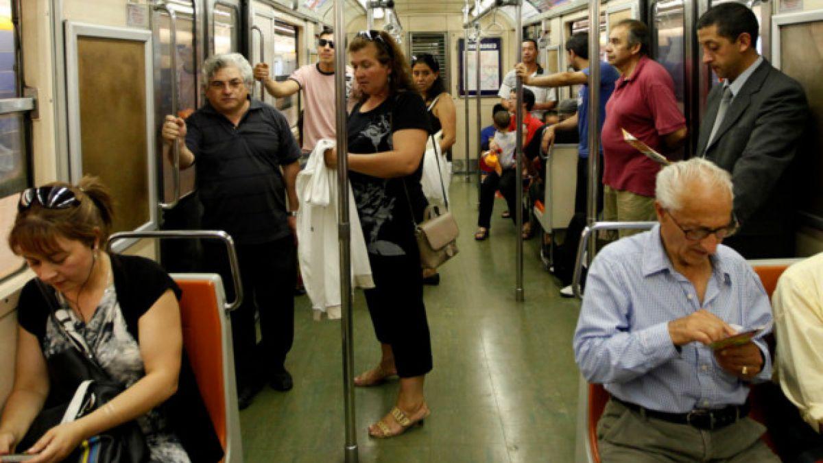 Línea 5 del Metro ya funciona con normalidad tras falla que provocó masiva evacuación
