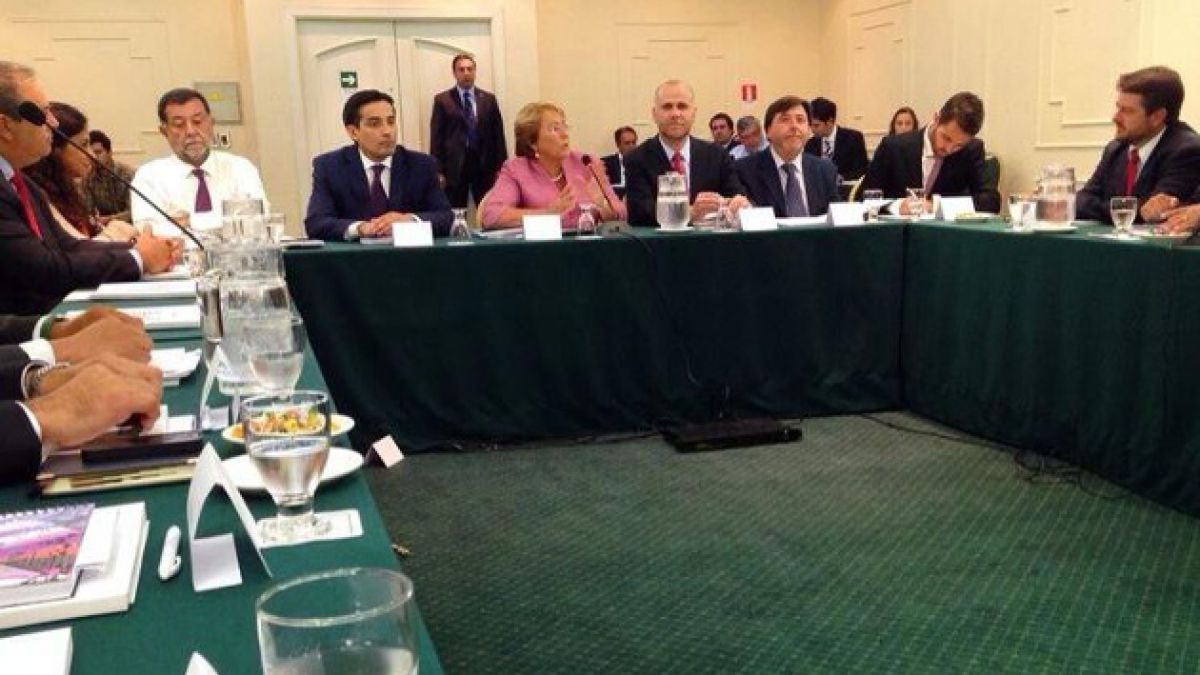 Michelle Bachelet protagoniza reunión con futuros intendentes