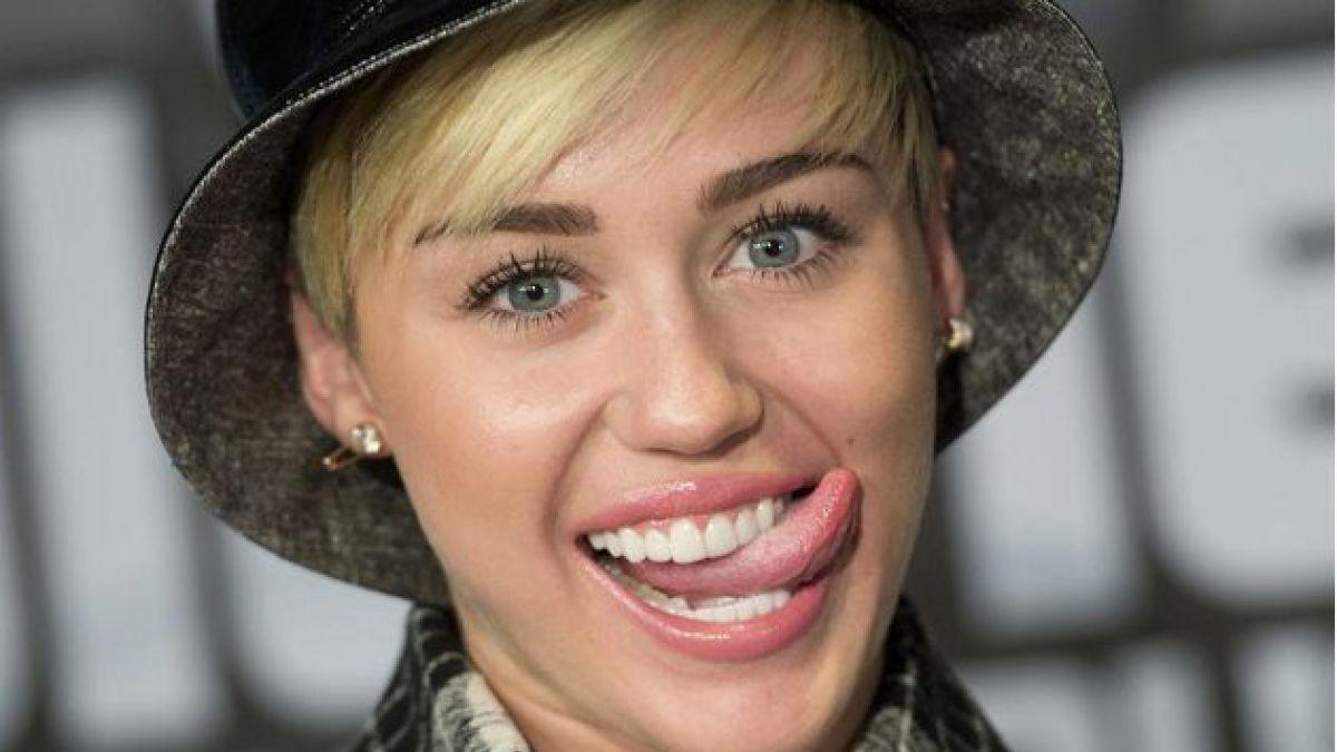 Autoridades holandesas indagan si Miley Cyrus fumó cigarro de marihuana