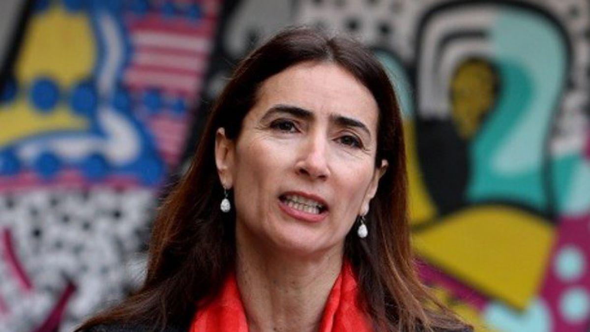 Ministra Schmidt lamenta postura del Colegio de Profesores por reforma