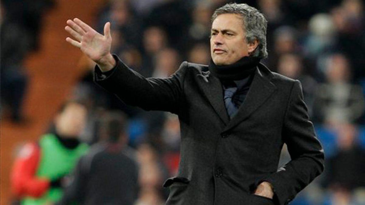 José Mourinho respalda a Iker Casillas de cara al duelo España-Chile