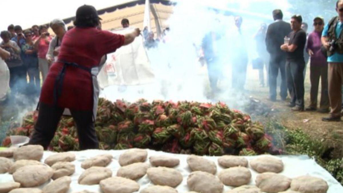Preparan el curanto más grande del mundo en Calbuco