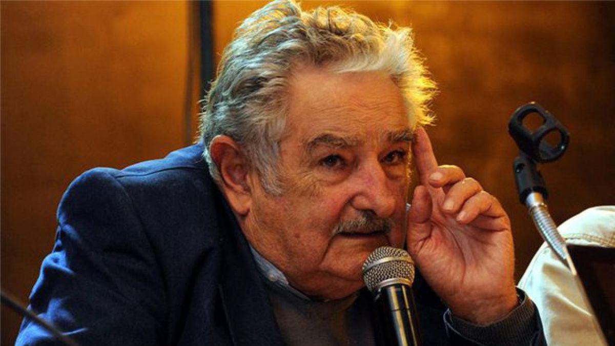 """Ex presidente de Uruguay califica a José Mujica como """"rey del show"""""""