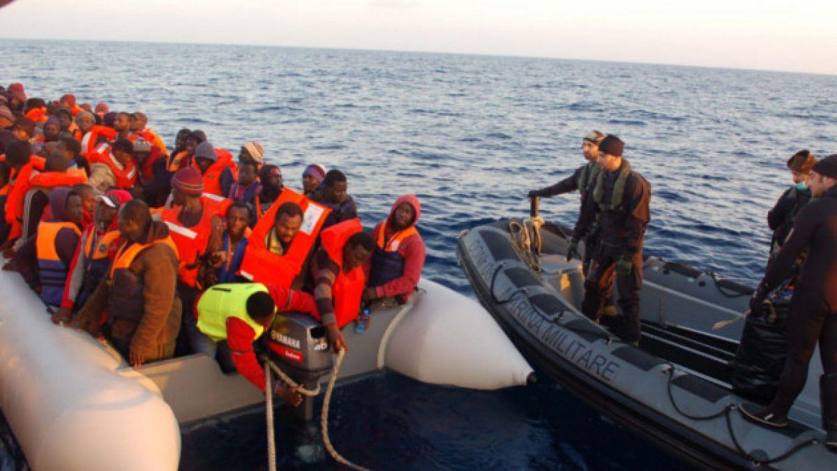 Embarcación con 250 inmigrantes a bordo naufraga frente a las costas de Libia