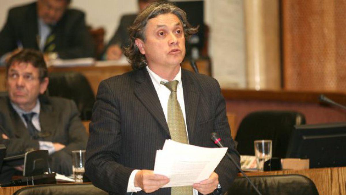 Navarro afirma que Estado debe indemnizar a damnificados por inundaciones en Punta Arenas