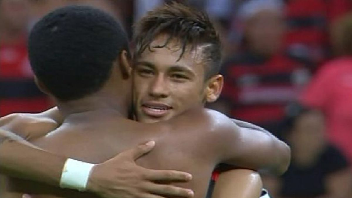 Neymar cumple sueño de niño sudafricano