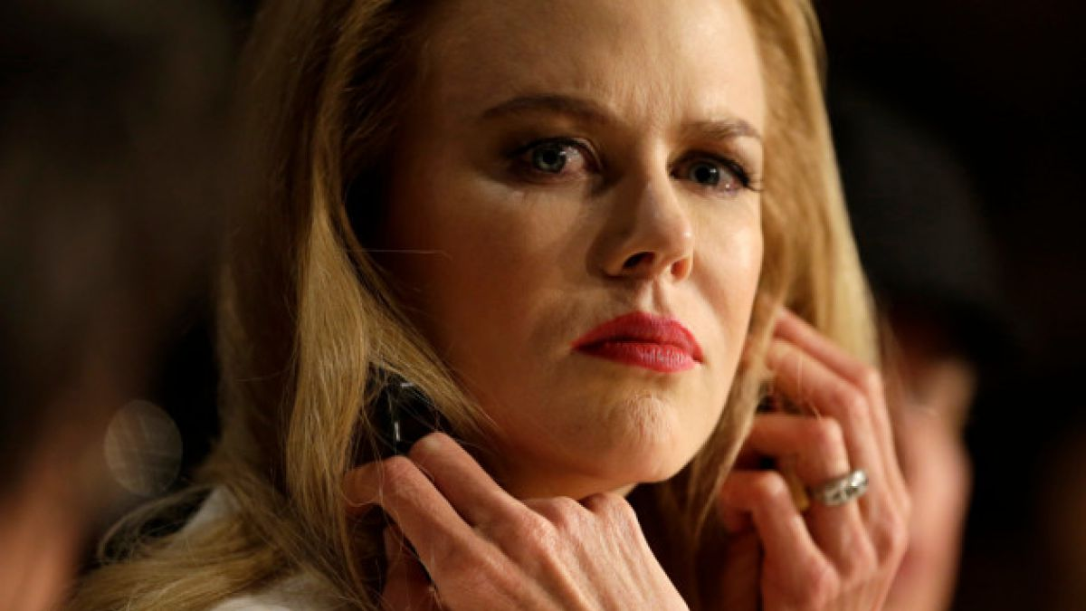 Padre de Nicole Kidman fallece tras sufrir caída en Singapur