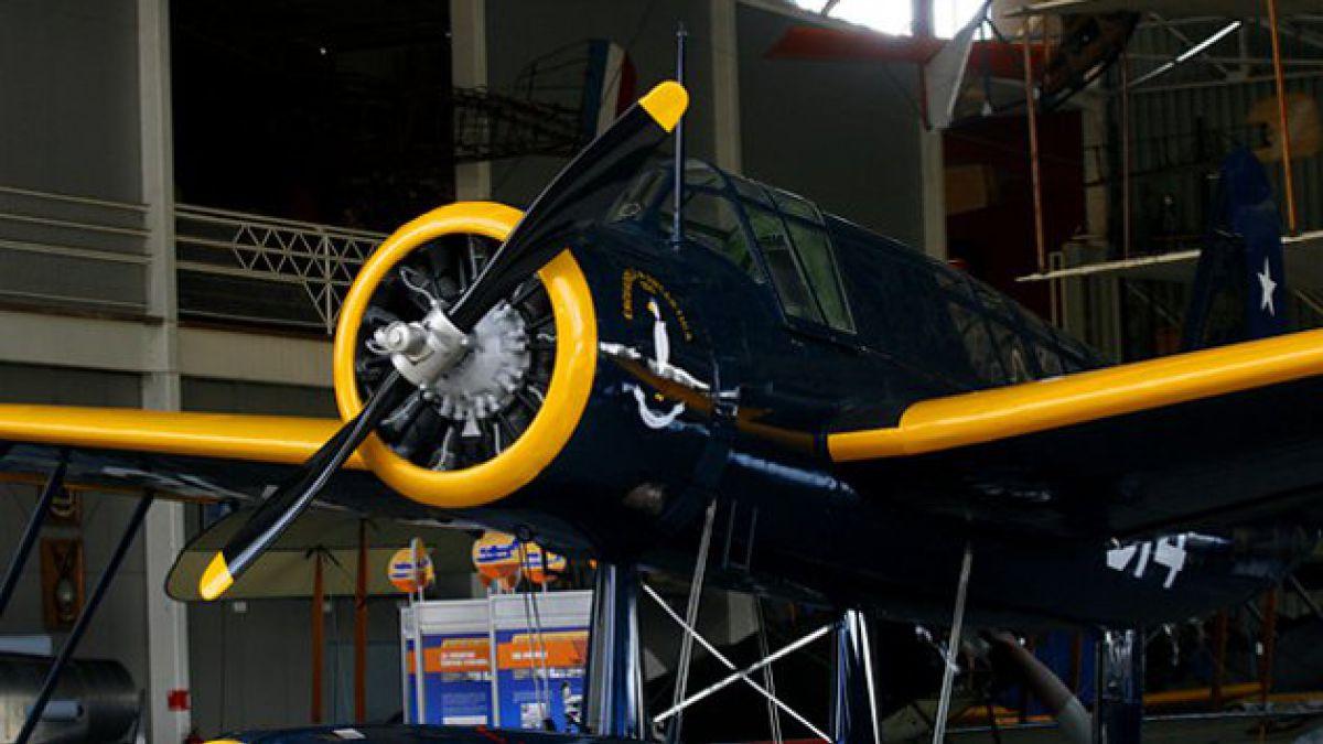 Presentan primer avión chileno que voló en la Antártica