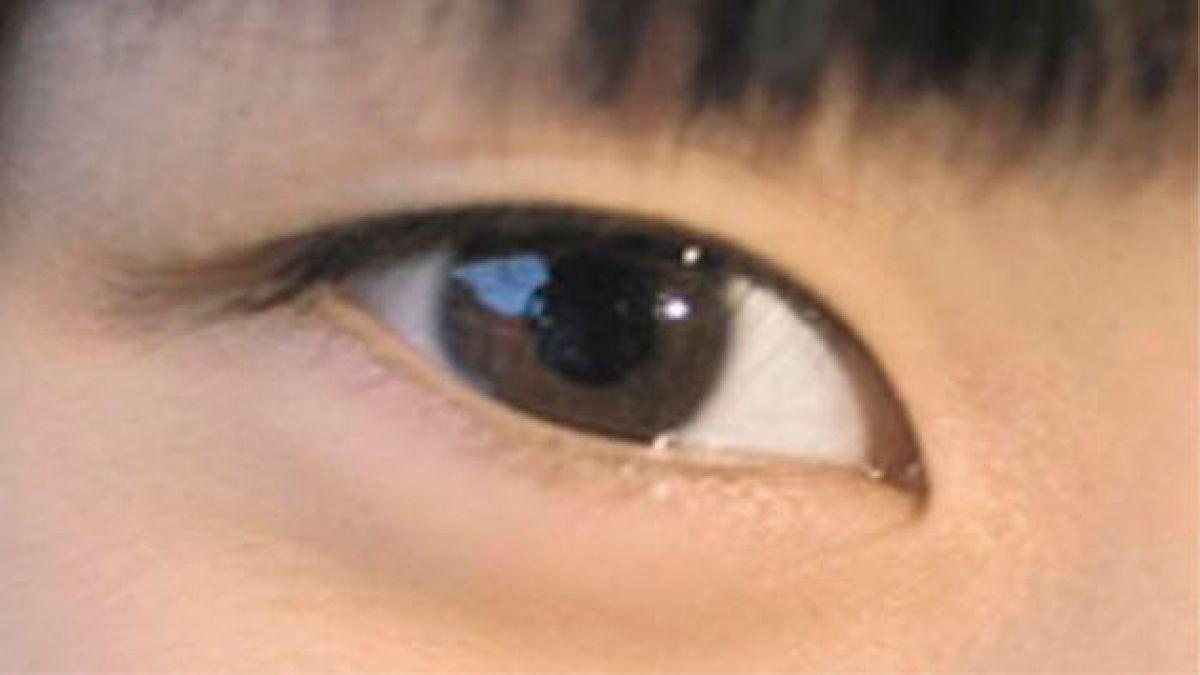 Crean lente de contacto parecido al de Terminator