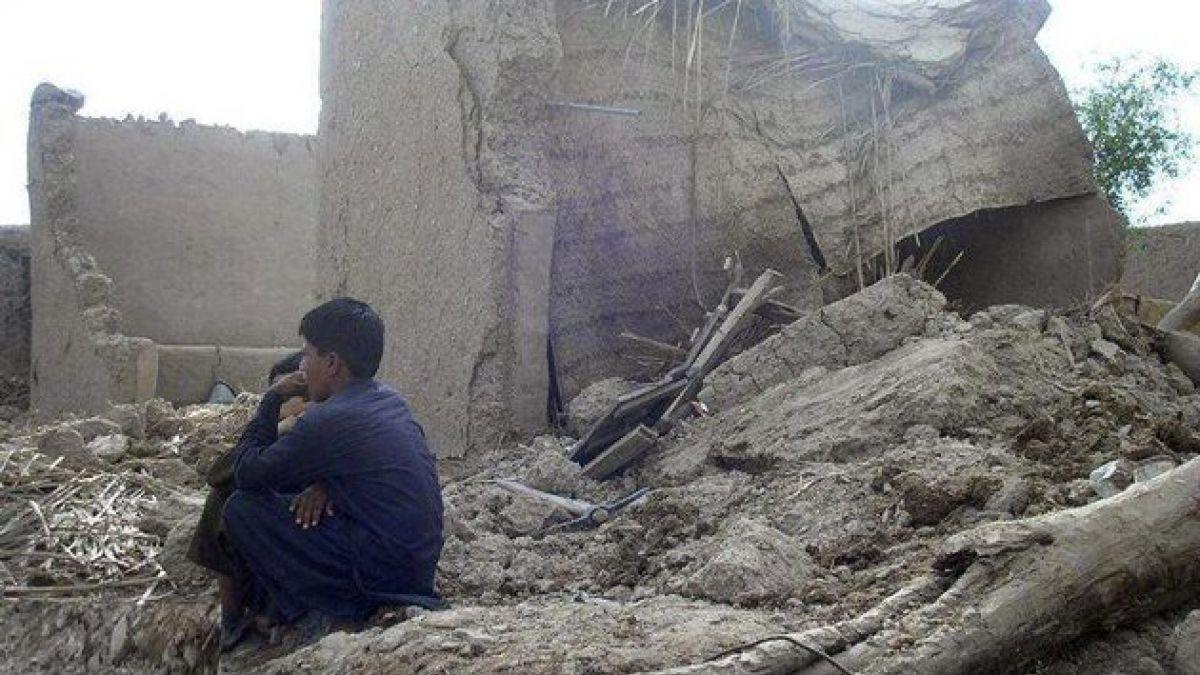 Muertos por sismo de Pakistán aumentan a 328
