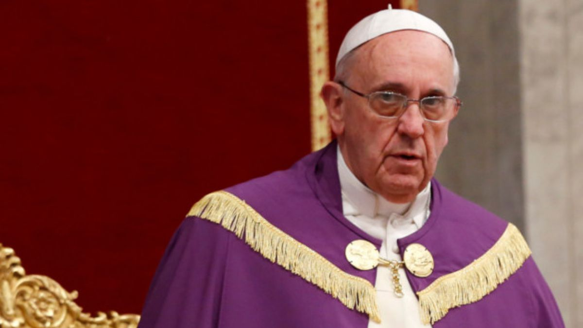"""Papa Francisco critica a cristianos que pecan de """"pereza"""""""