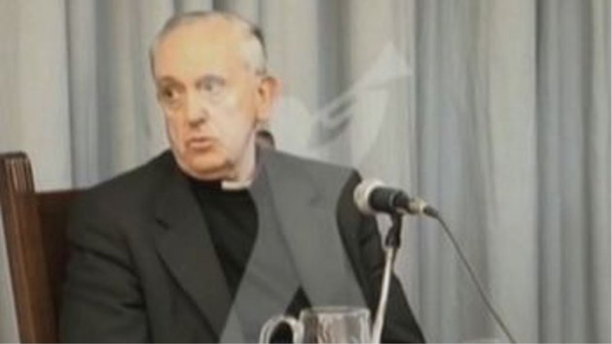 Sacerdote jesuita niega haber sido entregado por Francisco