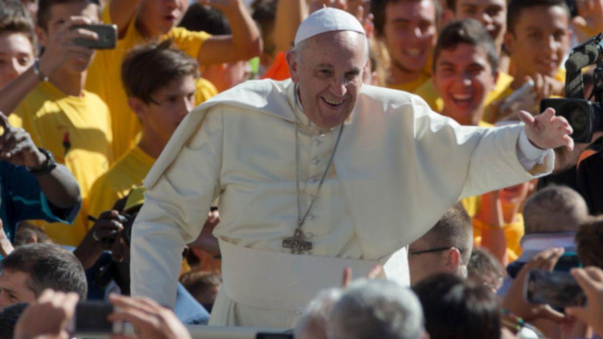 """Papa Francisco afirma que """"hay que tener valor para casarse hoy en día"""""""