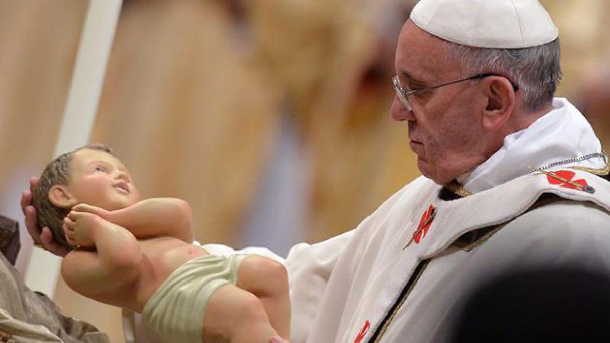 Papa Francisco celebra su primera Misa del Gallo