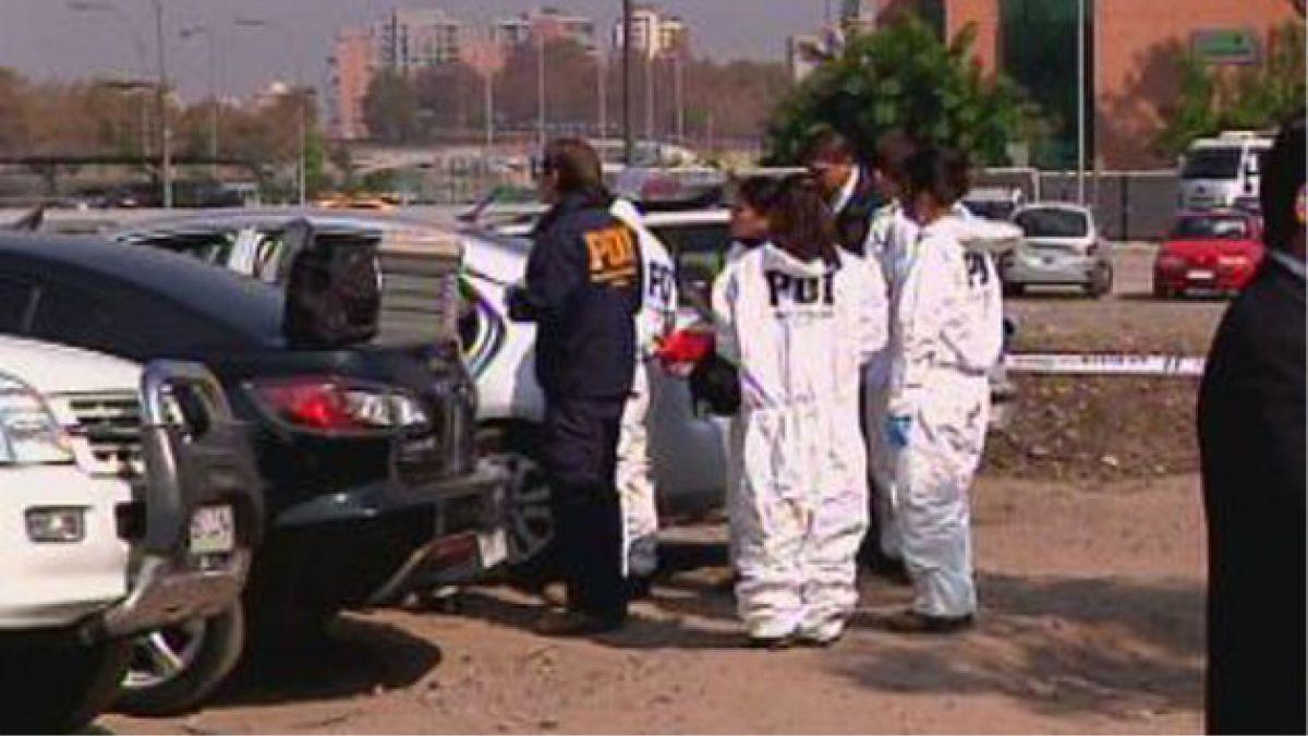 Detective fue hallado con herida de bala en cuartel Borgoño