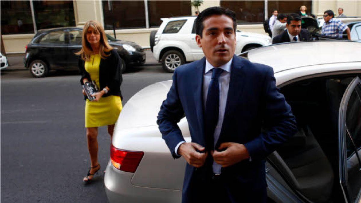 Oposición estudia posible interpelación al ministro Rodrigo Peñailillo