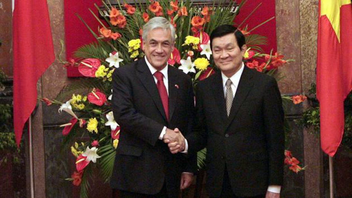 Presidente Piñera llega a Corea en medio de su gira por Asia