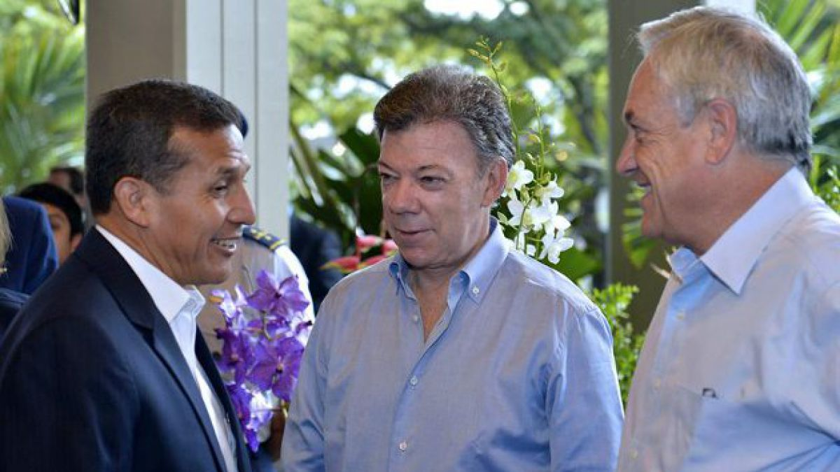 Presidentes de Chile y Perú se reúnen en cumbre de Unasur