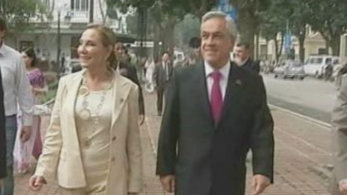 """Piñera responde a críticas por gira: """"Estamos creando las condiciones para que Chile pueda ser un pa"""