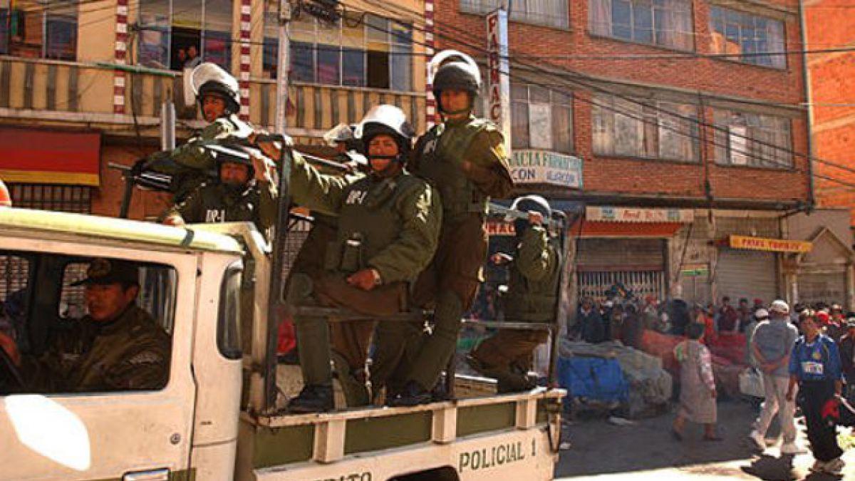 Bolivia incautó vehículo de la embajada de EE.UU. con armas y municiones