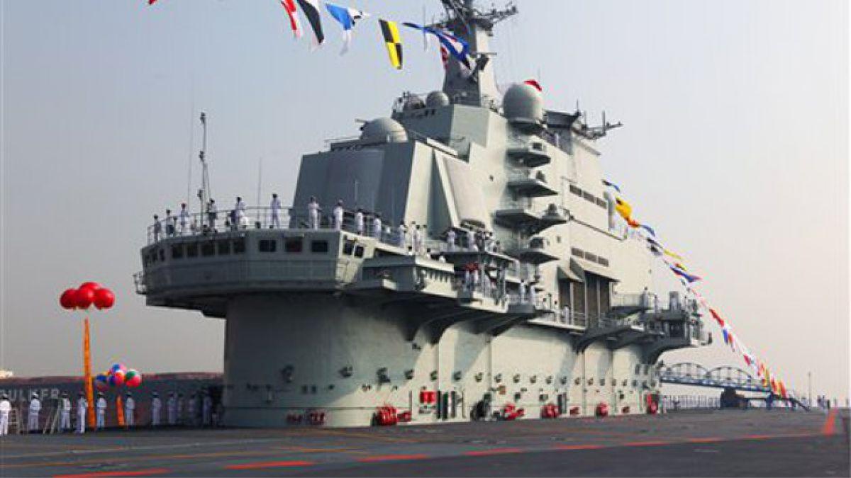 Ponen en funcionamiento primer portaaviones chino