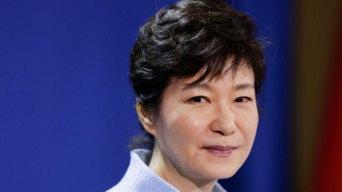 Presidenta de Corea del Sur pide perdón por naufragio de ferry