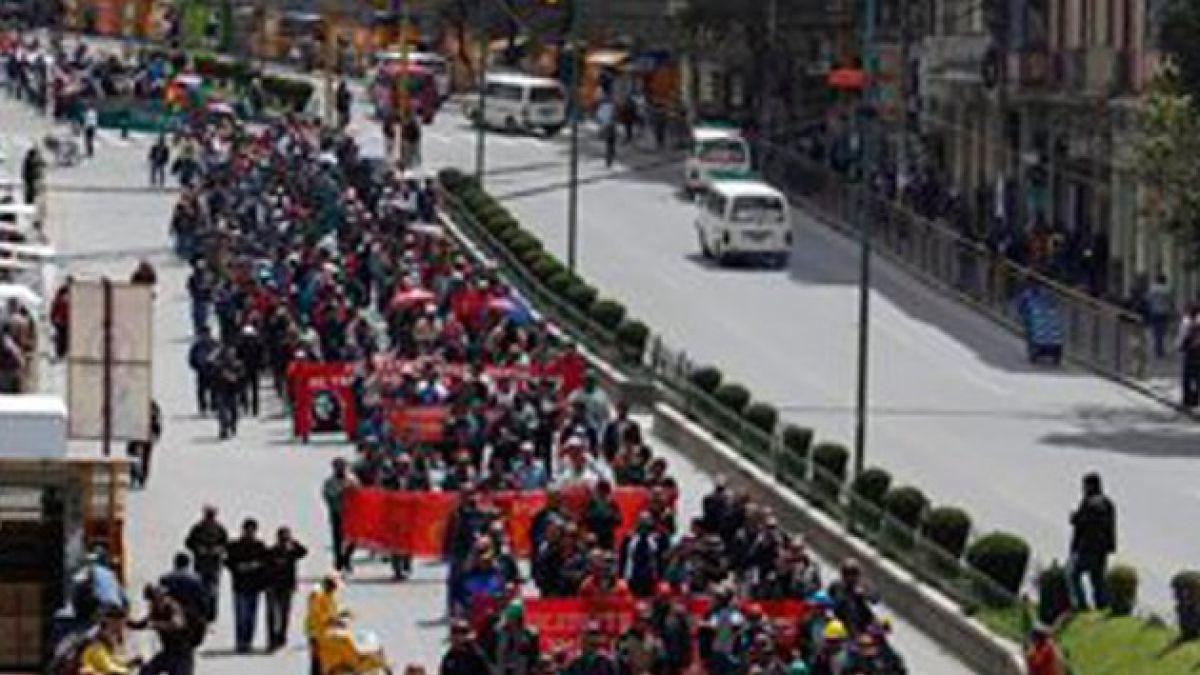 Evo Morales negó incremento salarial exigido por trabajadores bolivianos