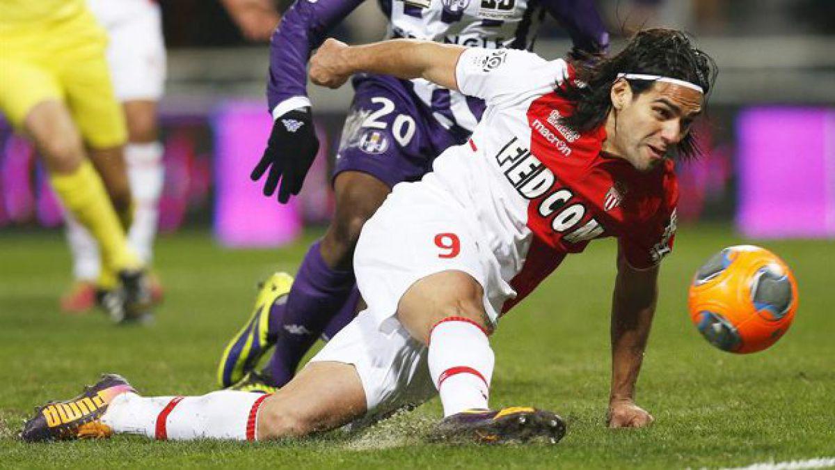 Radamel Falcao se lesiona y en Colombia se preocupan por su participación en el mundial