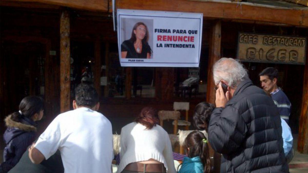 Movimiento Social por Aysén reúne 15 mil firmas para solicitar renuncia de Intendenta Cuevas