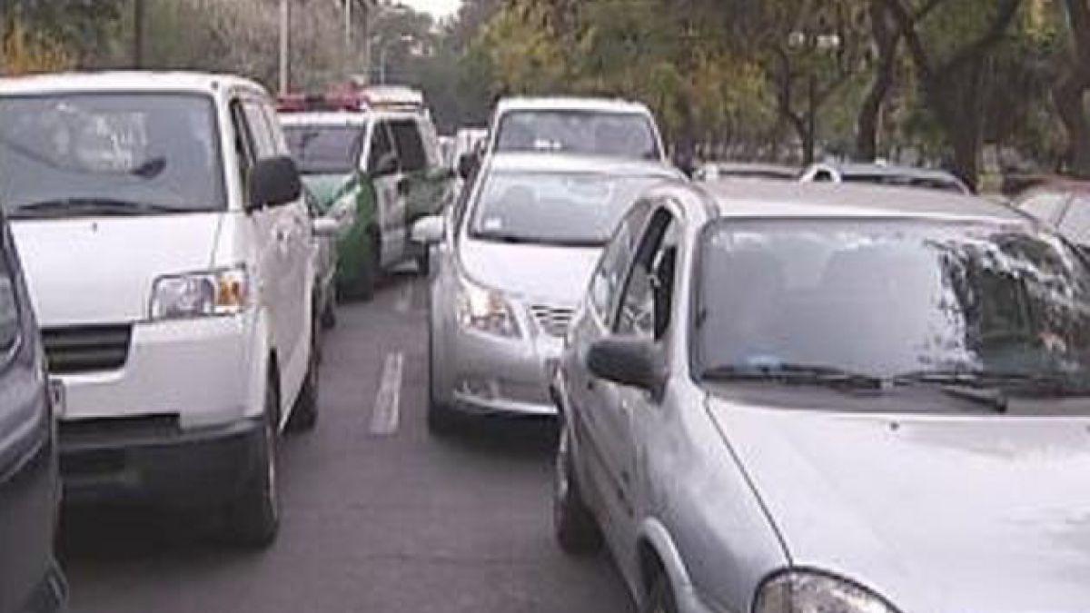 Este lunes comienza a regir la restricción vehicular