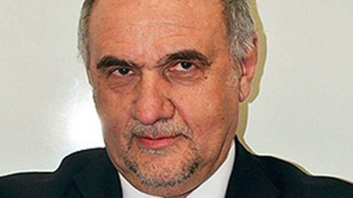 Ricardo Israel inscribió su candidatura presidencial