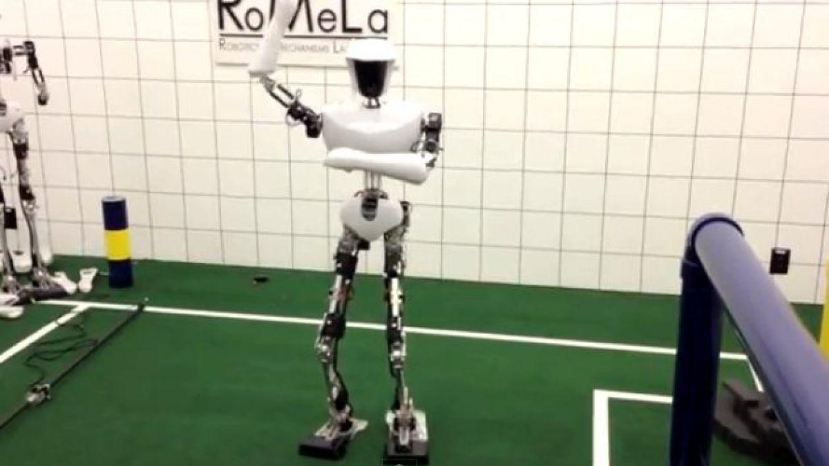 Robot se suma al fenómeno del Gangnam Style