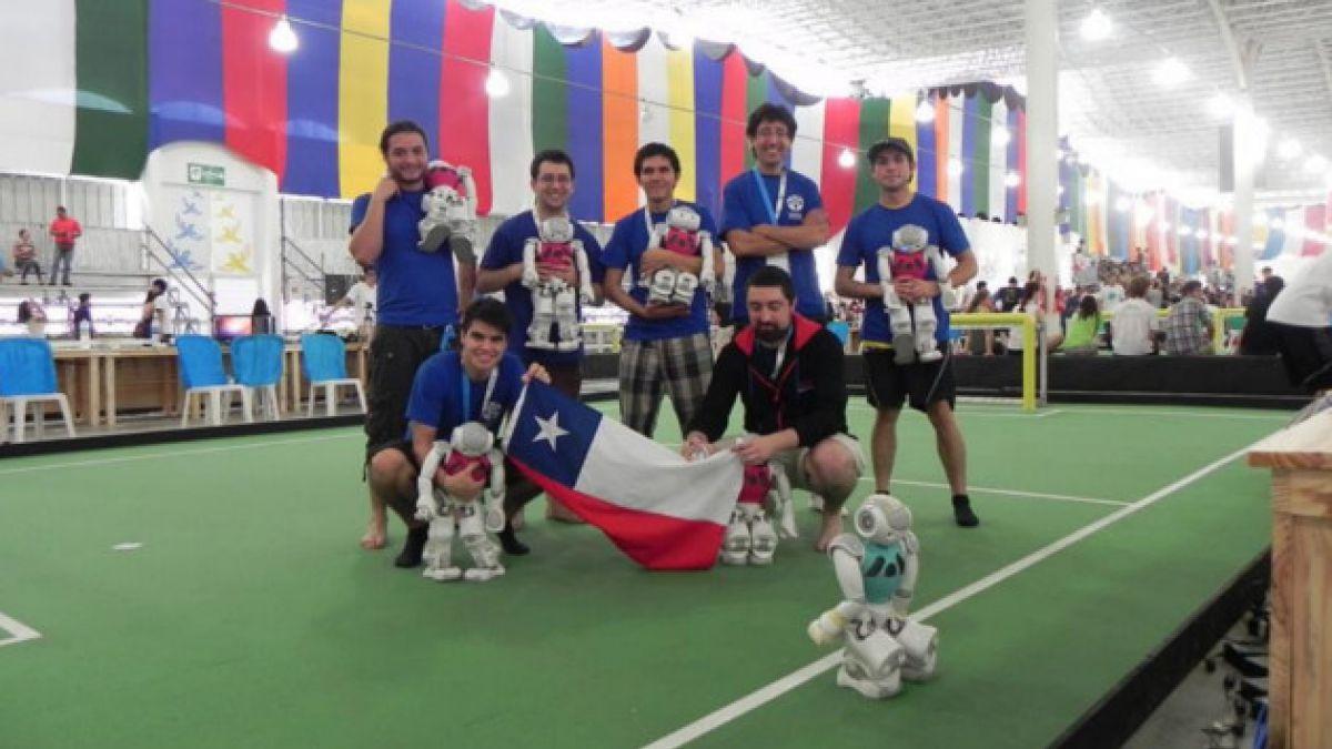 Equipo de fútbol robótico de la U. de Chile obtiene el cuarto lugar en la RoboCup