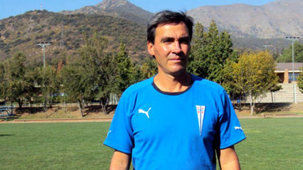 Rodrigo Astudillo es presentado como nuevo DT de la UC