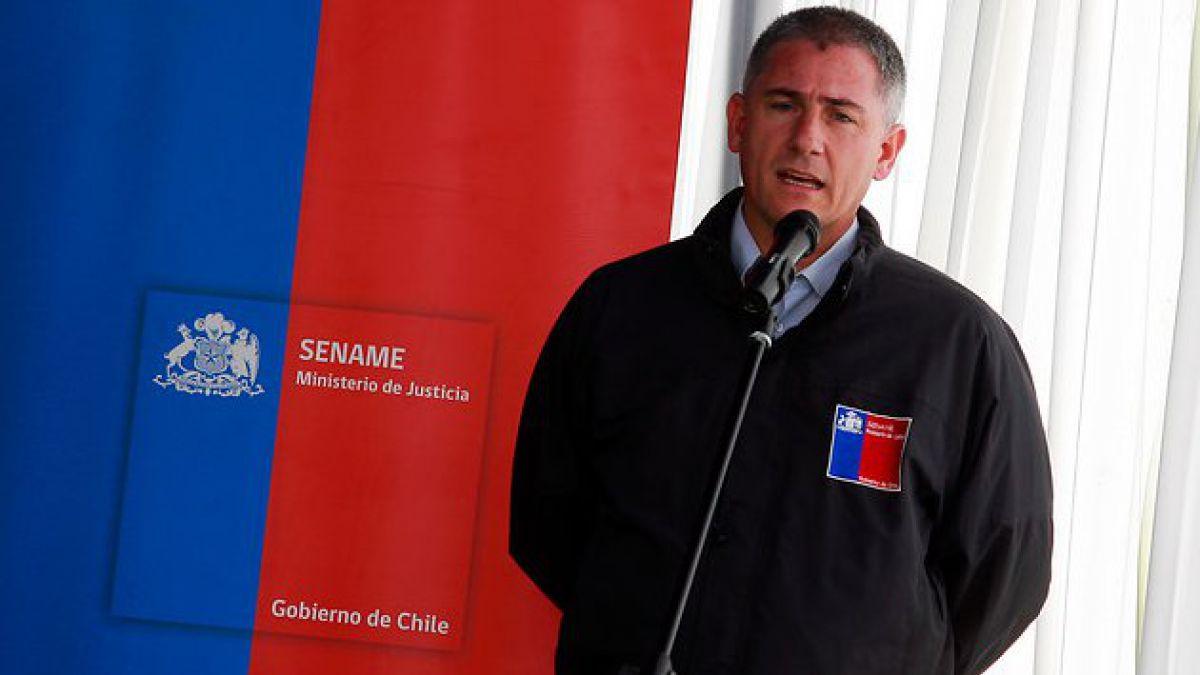 Caso Sename: Director del Sename entrega antecedentes al fiscal