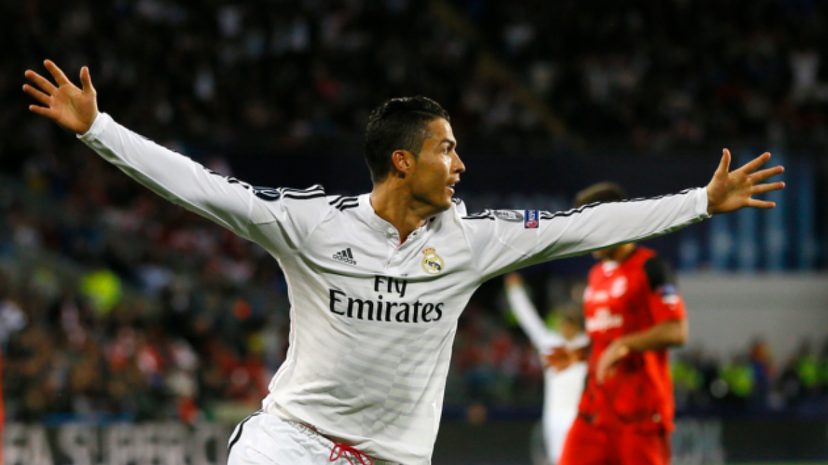 Cristiano Ronaldo marca triplete e iguala a leyendas del fútbol español