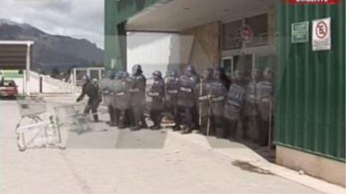 Manifestantes saquearon supermercados en Bariloche