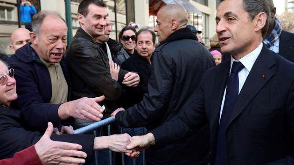 Sarkozy acorta distancia con Hollande en nueva encuesta