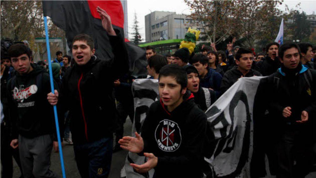 Estudiantes secundarios hacen llamado a candidatas presidenciales