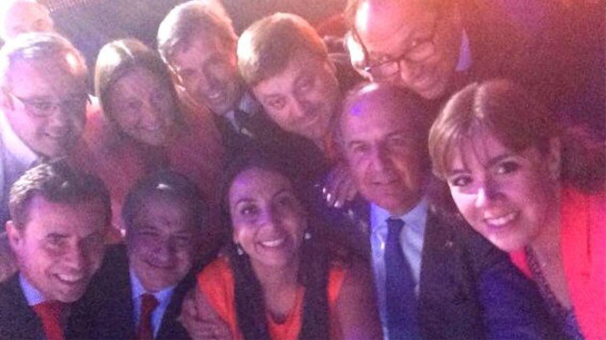 La selfie de los ministros de Piñera que quiso emular a las celebridades de los Oscar