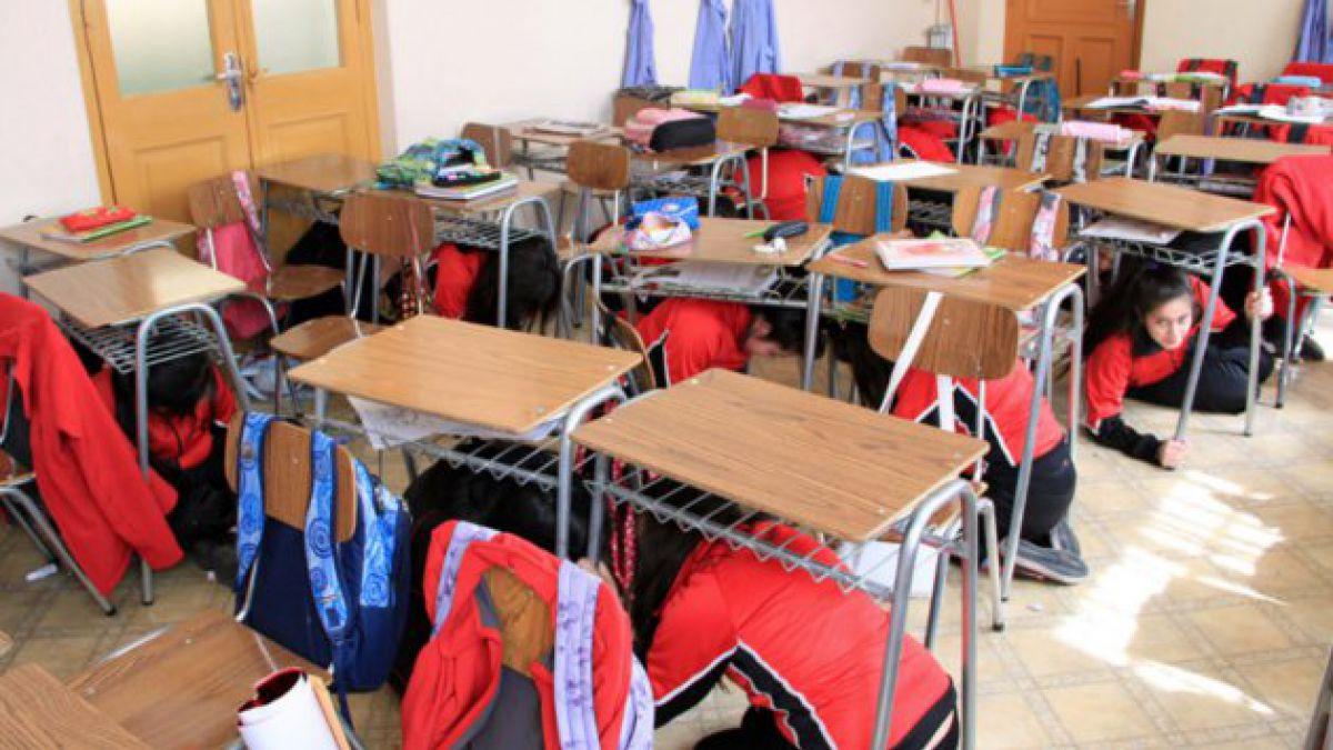 Colegios realizan simulacro de terremoto en toda la Región Metropolitana