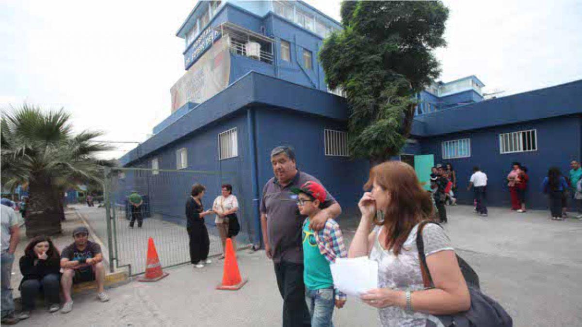 Trabajadores del Hospital Sótero del Río inician paro de tres días