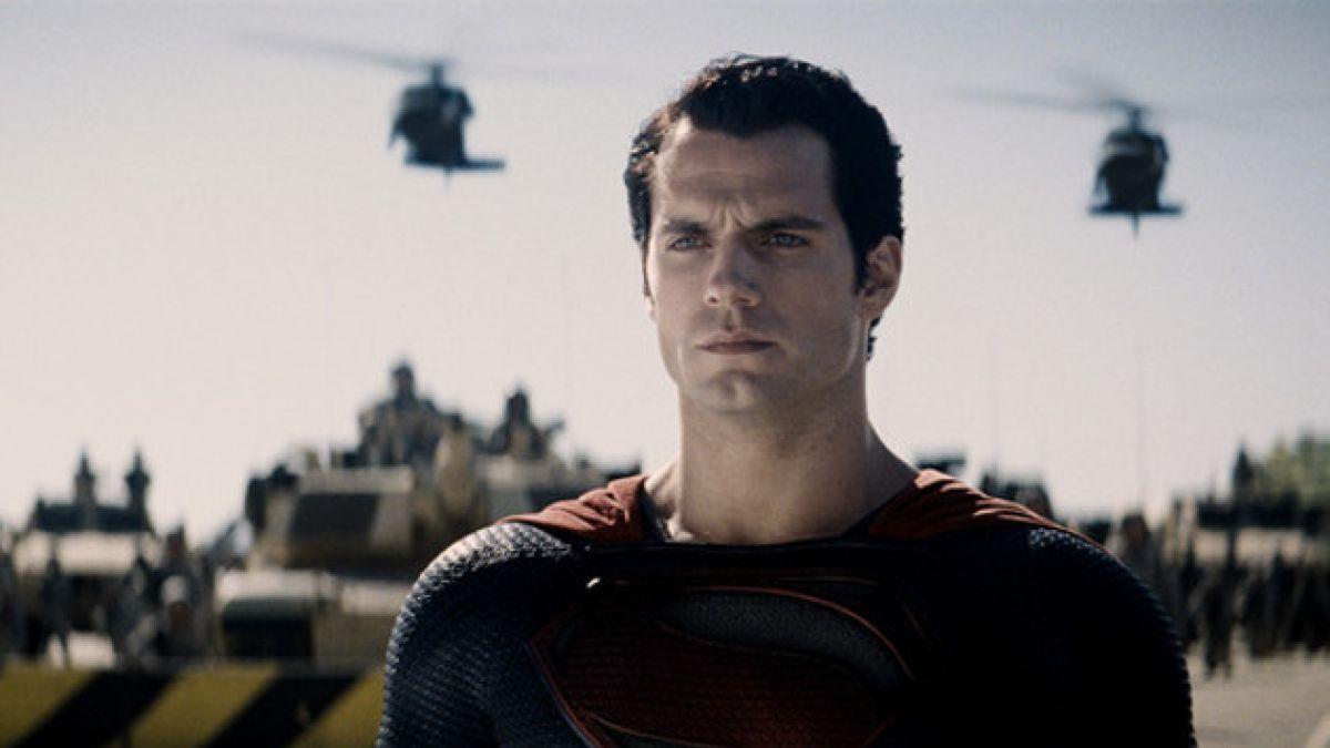 """[FOTOS] Filtran nuevas imágenes del elenco de """"Batman v Superman"""" en set de grabación"""