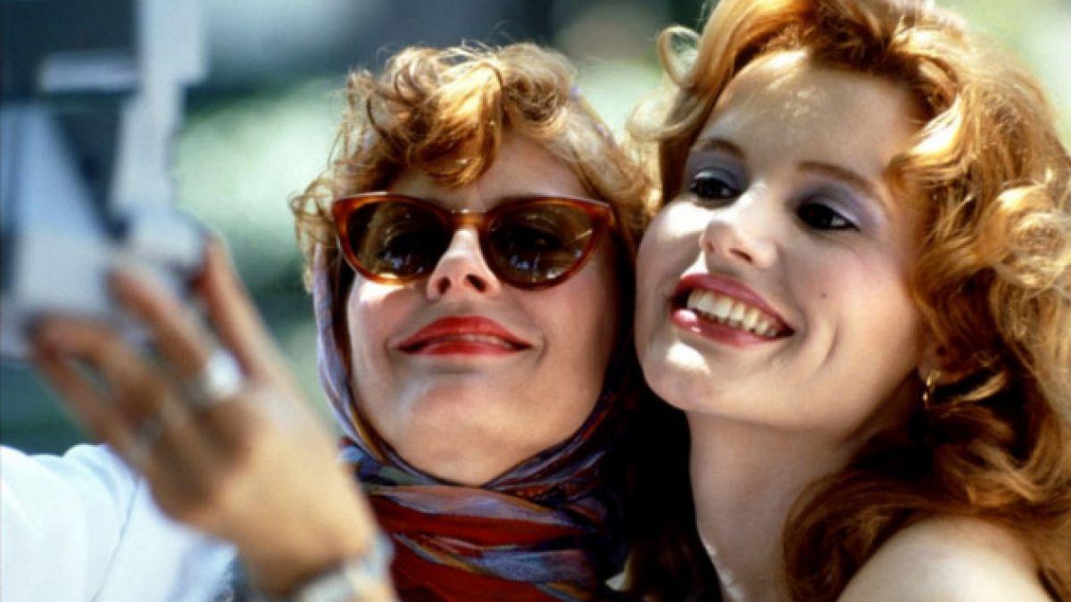 """Protagonistas de """"Thelma y Louise"""" recrean histórica escena de la película"""