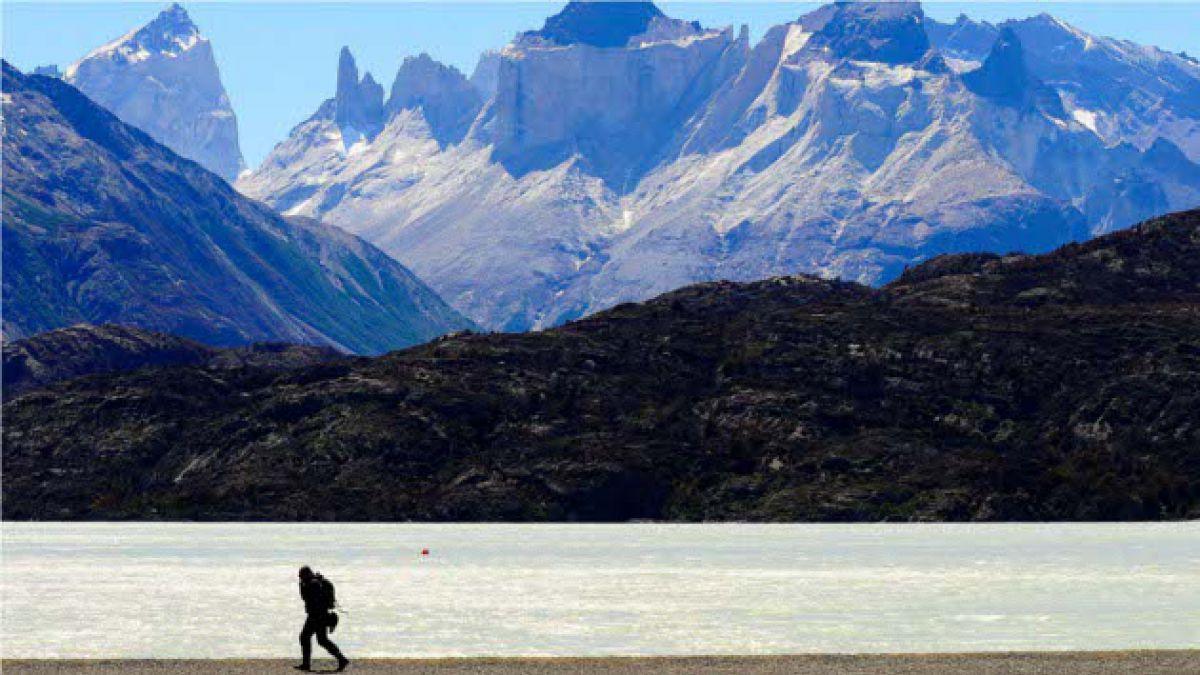Detienen a turistas por encender fuego en Torres del Paine