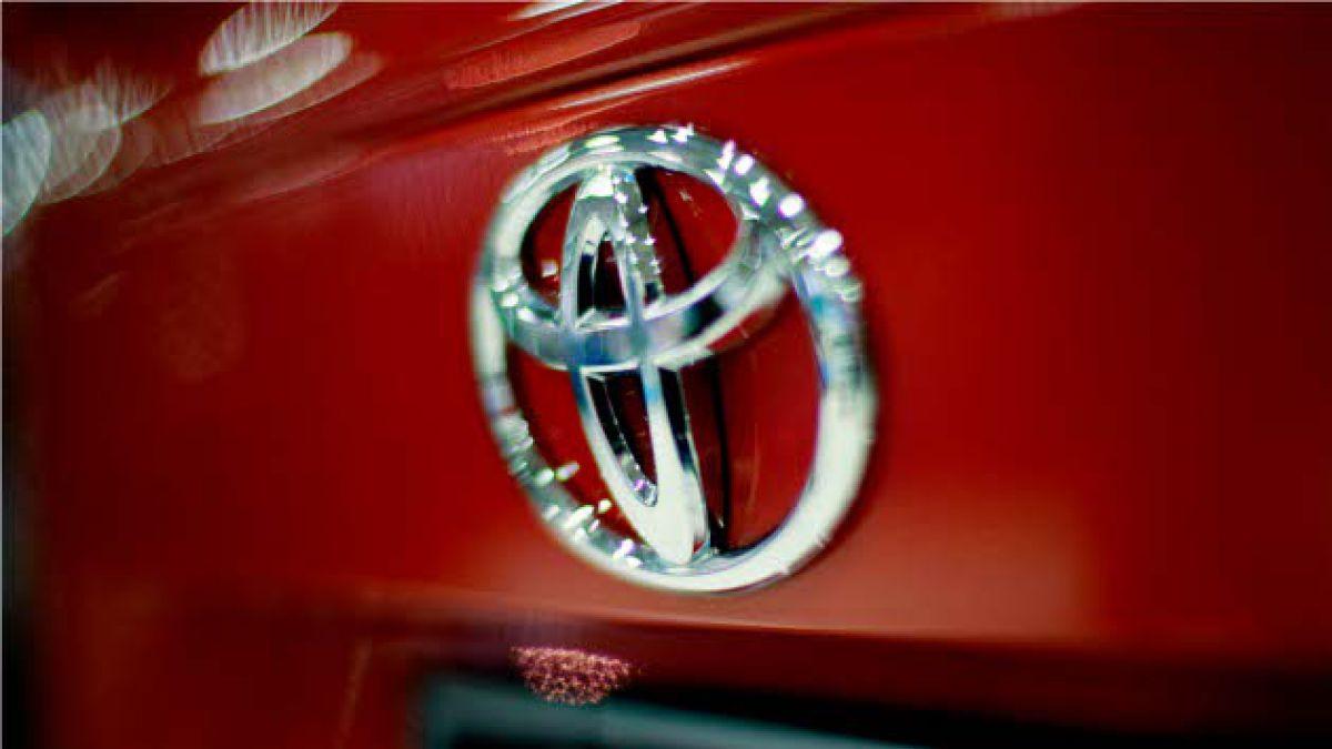 Toyota llama a revisión más de 3,3 millones de autos por problemas técnicos
