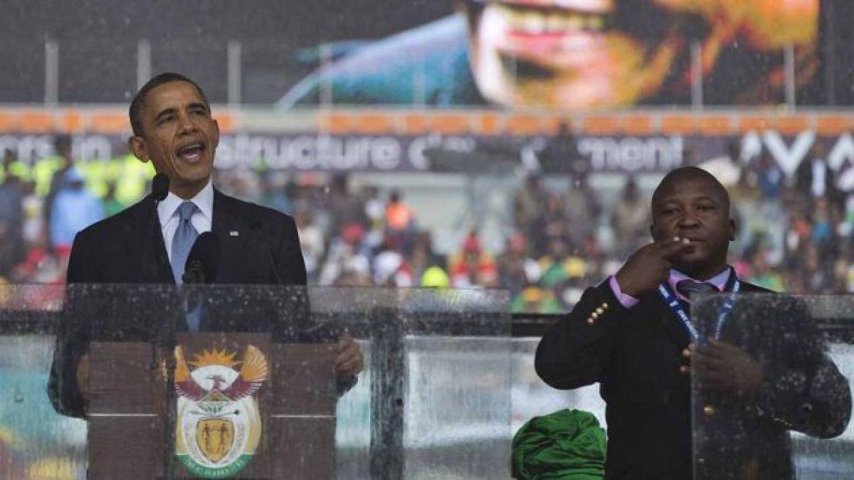 Gobierno de Sudáfrica admite error con traductor en funeral de Mandela