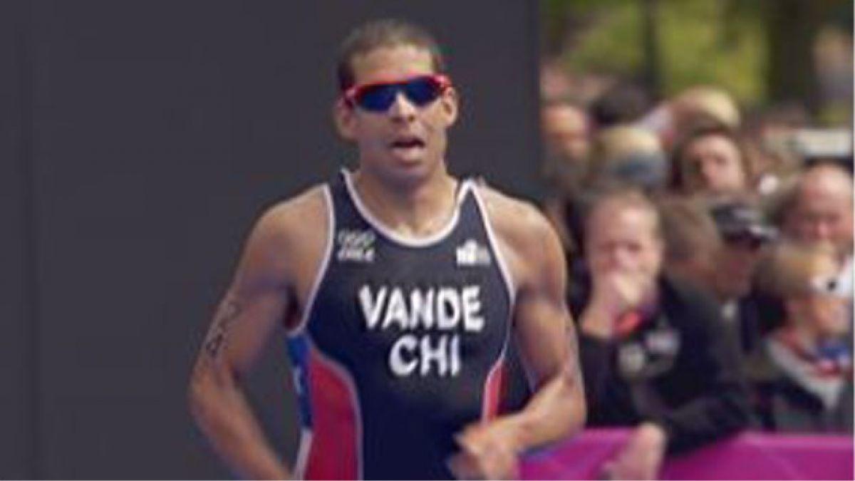[JJ.OO.] Felipe van de Wyngard queda 50º en triatlón
