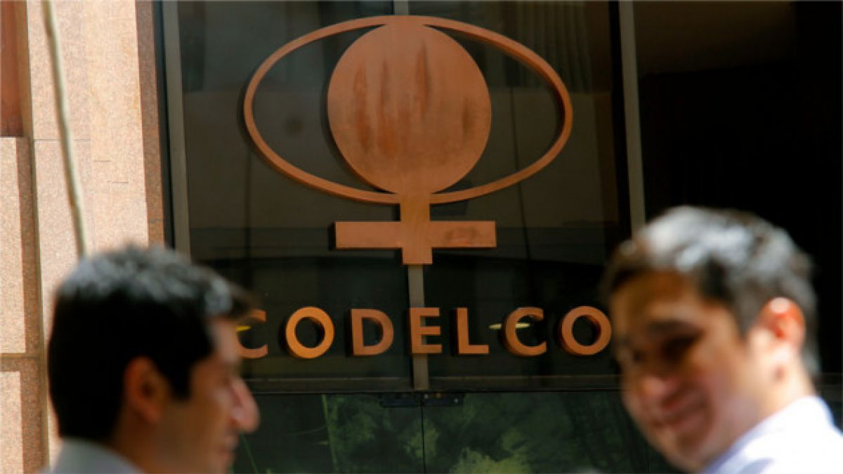 Codelco desvincula a 350 supervisores para ahorrar US$48 millones